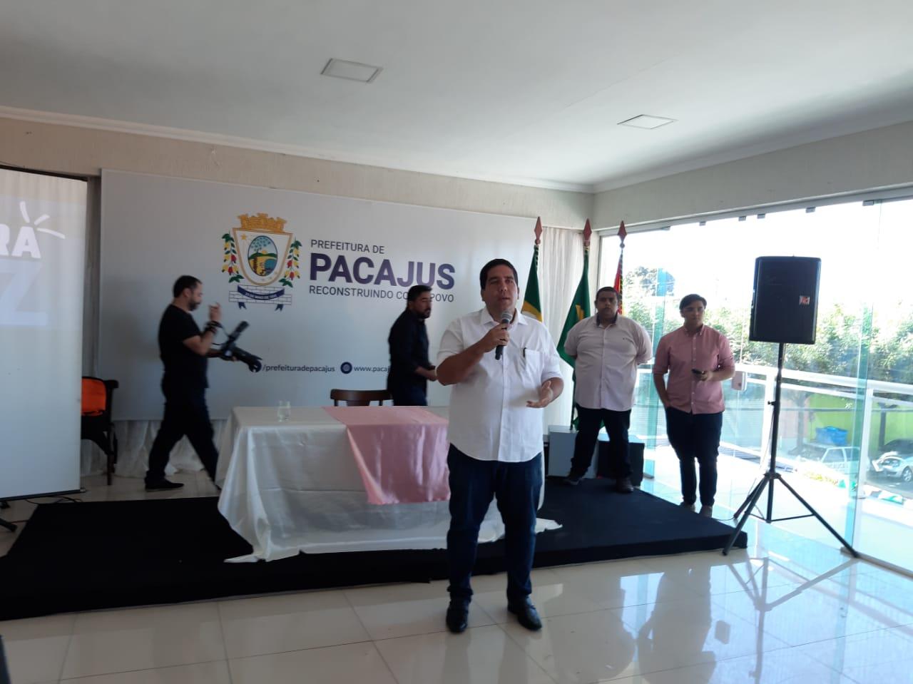 Prefeito de Pacajus reúne a imprensa para falar dos avanços de sua gestão