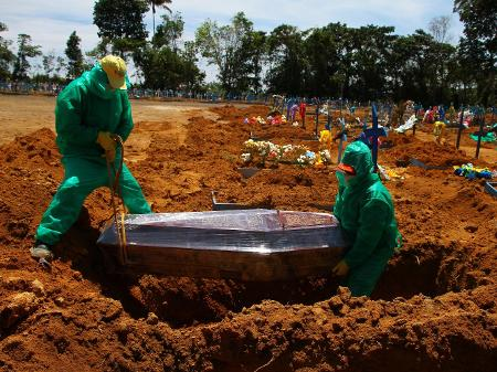 Brasil ultrapassa 400 mil mortes por Covid-19 nesta quinta-feira