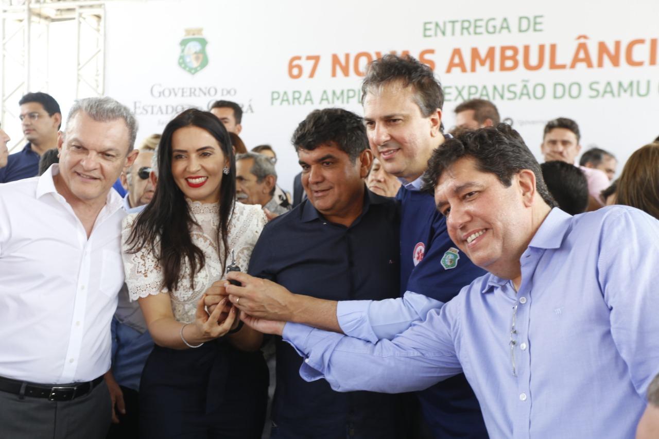 Prefeito Filho Noronha participa da solenidade de entregas de ambulâncias para municípios cearenses