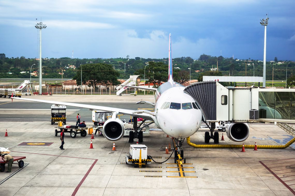 Governo Federal vai economizar 15 milhões comprando passagens áreas diretas