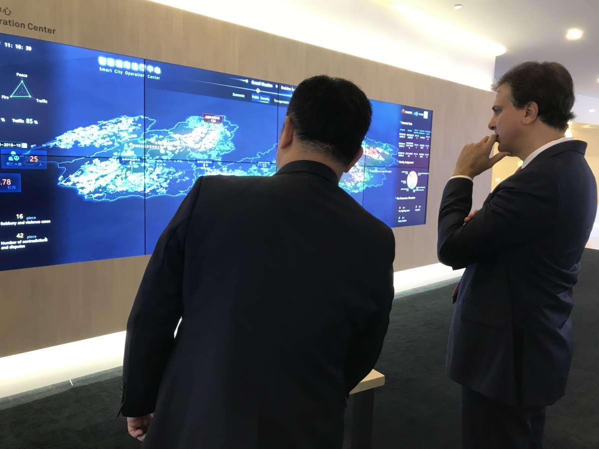 Governador do Ceará tem encontro com empresa líder mundial de tecnologia