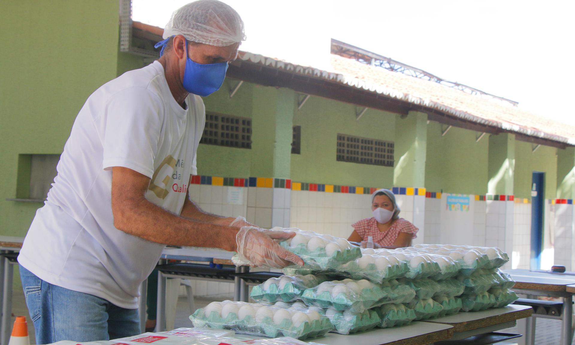 Prefeitura de Fortaleza inicia  entrega da quarta etapa dos kits de alimentação aos alunos