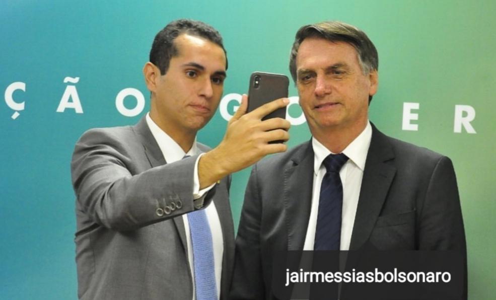Domingos Neto é recebido por Bolsonaro para tratar das obras estruturantes para o Ceará