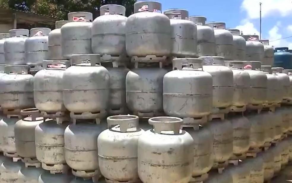 Petrobrás pretende destinar R$ 300 milhões para subsidiar gás de cozinha para famílias carentes