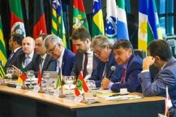 Governadores repudiam postagem de Bolsonaro