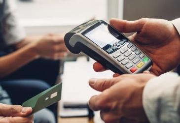 Senado aprova juros máximo de 30% para chegue especial e cartão de crédito
