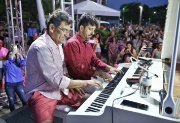 Alexandre Pereira e Felipe Adjafre realizam live com concerto ao piano em homenagem aos pais neste sábado