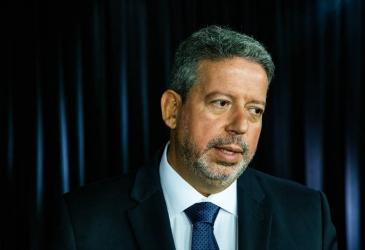 Deputado Arthur Lira busca votos para Câmara em Fortaleza