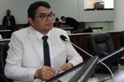 Vereador de Fortaleza apresenta proposta de enfermeira em exames ginecológicos
