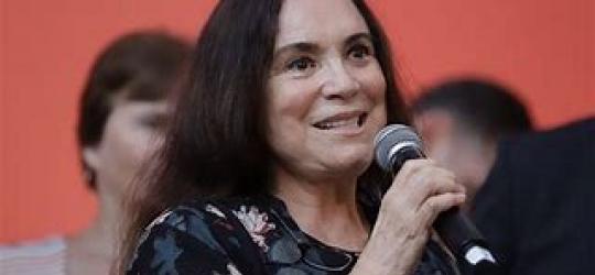 Deputada se manifesta sobre possibilidade de Regina Duarte assumir secretaria da Cultura