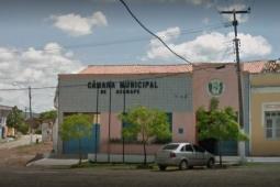 Vereadores de Acarape apresentam CPI para investigar desvio de vacinas contra COVID-19