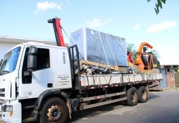 Prefeitura municipal compra com recursos próprios um novo gerador para o Hospital de Parambu