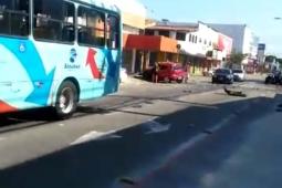 Motorista embriagado causa grave acidente no bairro Montese em Fortaleza, veja as imagens