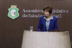 Deputada Patrícia Aguiar comemora a conquista da Areninha e uma escola em Tauá