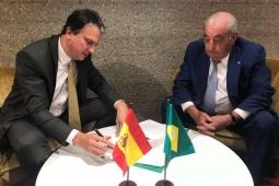 Camilo Santana assina acordo com Grupo Globalia para voos diretos entre Fortaleza e Madri