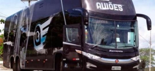 Homem morre em acidente com ônibus da banda Aviões do Forró na Paraíba