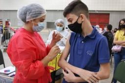 Ministério da Saúde volta atrás e libera vacinação para adolescentes entre 12 a 17 anos