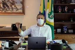 Camilo anuncia chegada de mais 33 mil doses da vacina contra COVID-19 hoje no Ceará