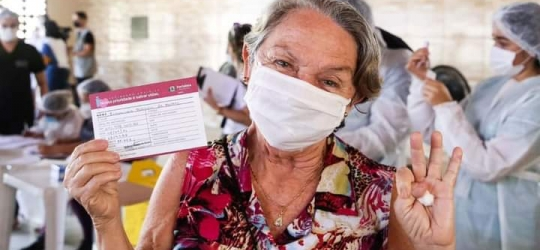 Prefeitura de Fortaleza inicia vacinação contra Covid-19 para idosos acima de 70 anos