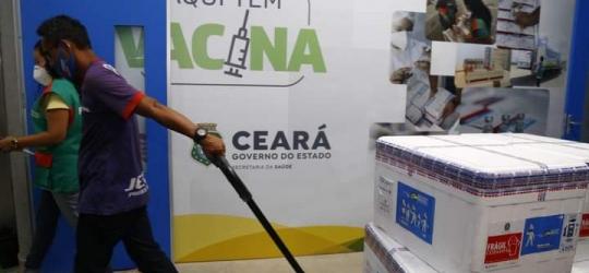 Ceará recebe 233.380 doses de vacinas contra Covid-19